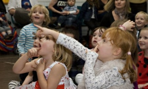 Astonished children at Doodle's birthday party entertainment