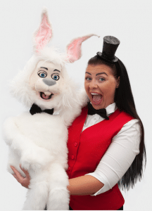 Magic Maggie is a professional kids entertainer, suitable for children aged 4-7 years old
